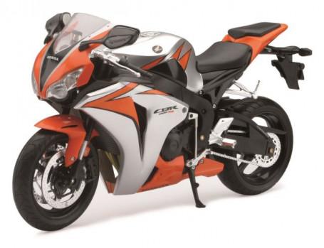Moto Honda CBR 1000RR 10 maxi toys 10152581 Echelle 1/6. Différents Modèles.