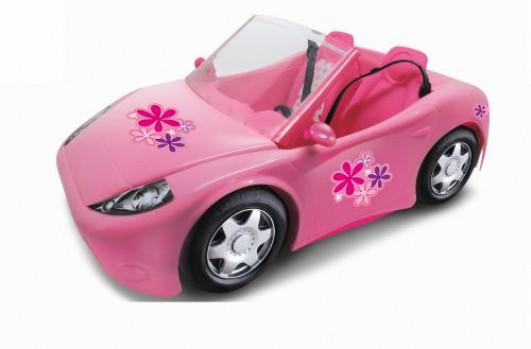 Cabriolet rose maxi toys 10423793 Envie d'emmener tes poupées en promenade? Installe-les dans ce super cabriolet rose Qweenie Fashion (marque exclusive de Maxi Toys) et en route pour une belle balade les cheveux au vent ! Convient pour toutes les poupées mannequin. Poupée non incluse. A partir de 3 ans.