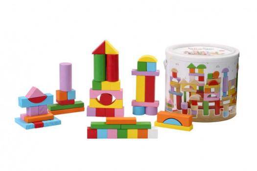 Tonnelet de 100 pièces maxi toys 11253337 Tonnelet de 100 pièces en boisCe baril de 100 cubes en bois comprend des cubes en bois naturel et en bois coloré avec plein de formes différentes et parfois même de jolis motifs. Les enfants peuvent s'en donner à cœur joie et se lancer dans la construction de structures aux couleurs vives en faisant travailler leur imagination