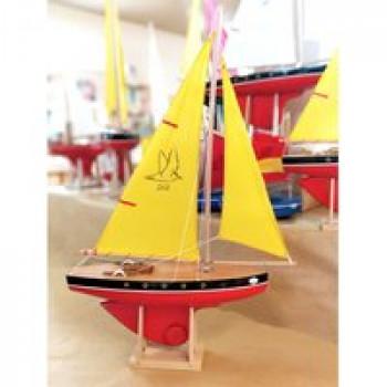 Voilier 502 coque rouge 40 cm Les Jouets Français Voilier en bois de 40 cm parfait pour jouer dans l'eau