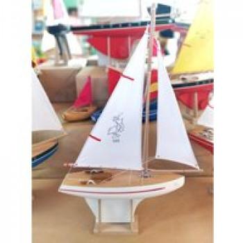 Voilier 702 coque blanche Les Jouets Français Voilier en bois pour jouer dans l'eau